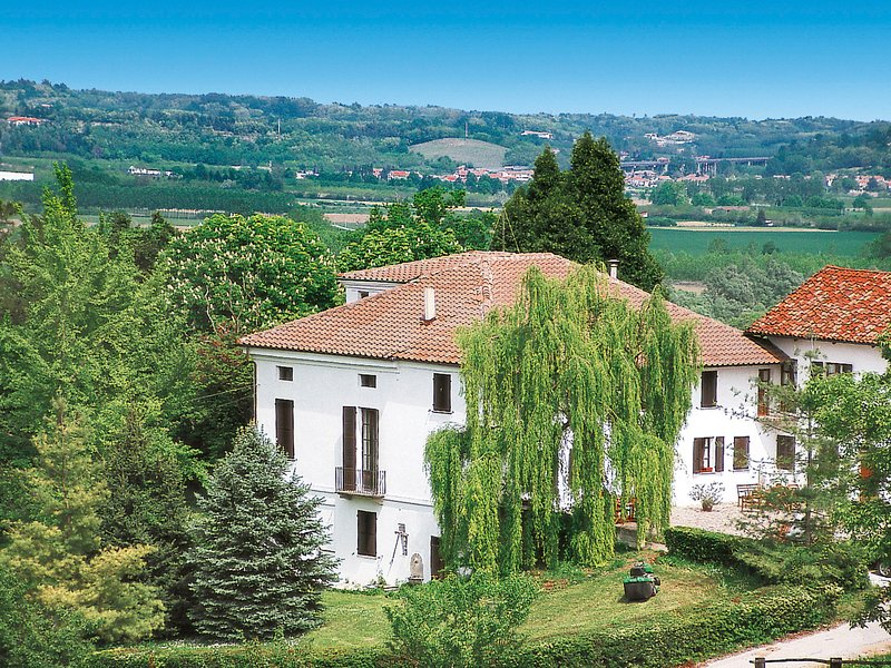 Paolo (AST102), vacation rental in Vigliano d'Asti
