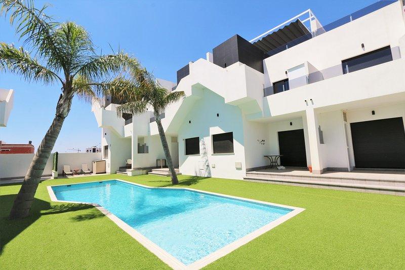 VDE-073 Modern penthouse with pool close to Mar Menor beach & restaurants, location de vacances à San Pedro del Pinatar