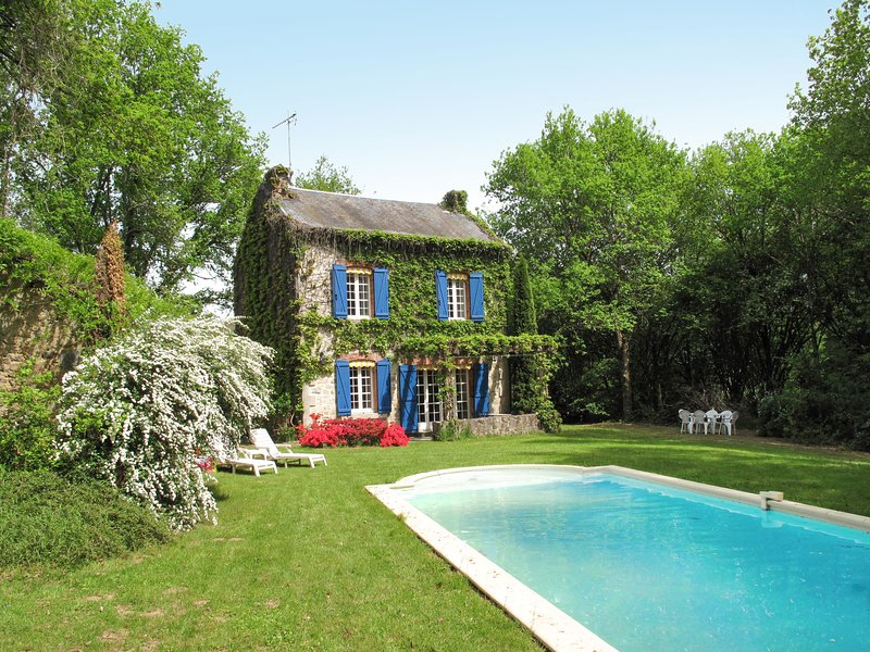 La Terrade (CUI100), vacation rental in Saint-Dizier-Leyrenne