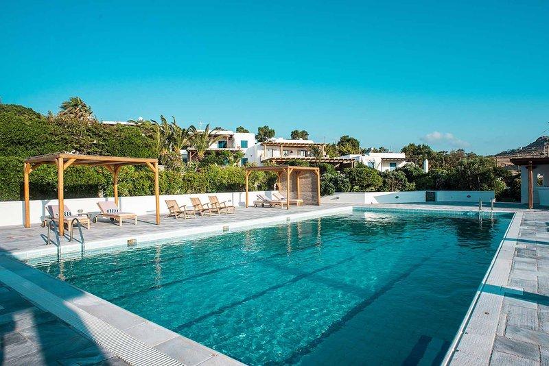 Mykonos Villa Sleeps 8 with Pool and Air Con - 5809922, holiday rental in Agios Sostis