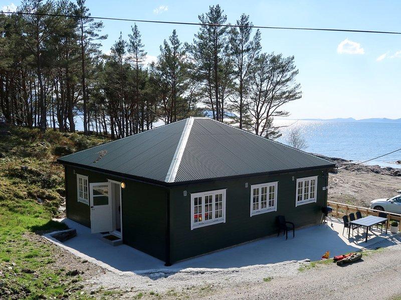 Nesjevik (FJS124), vacation rental in Matre
