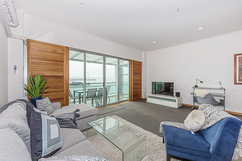 1BR Waterfront Apartment at Princes Wharf – semesterbostad i Auckland
