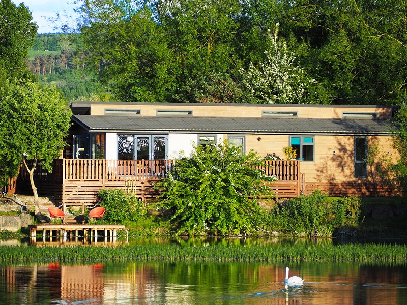 Samhchair Lodge, South Lakeland Leisure Village, holiday rental in Burton-in-Kendal