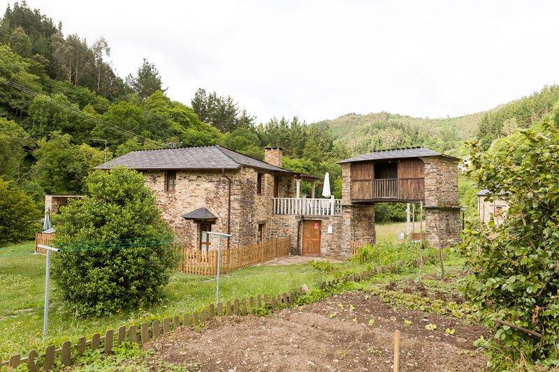 Casas Rurales TAReira. Casa Carmina, location de vacances à Pol