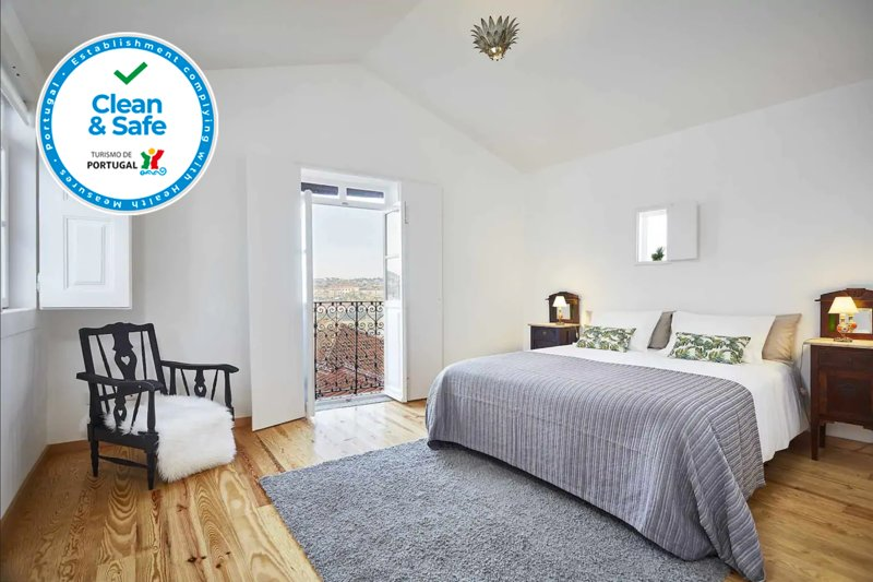 Casas da Comédia (Shakespeare) ·T2 Duplex Historical Center, vacation rental in Coimbra