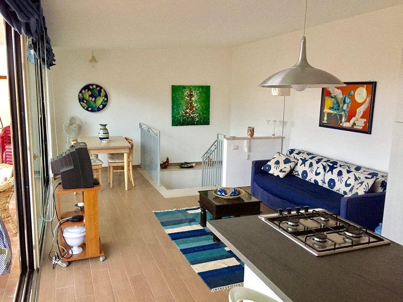 Casa vacanze Nizza panoramica vicino al mare, vacation rental in Nizza di Sicilia