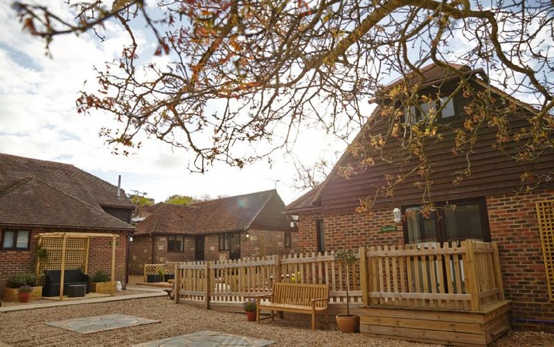 Nutley Edge  - Accessible cottages, holiday rental in Piltdown