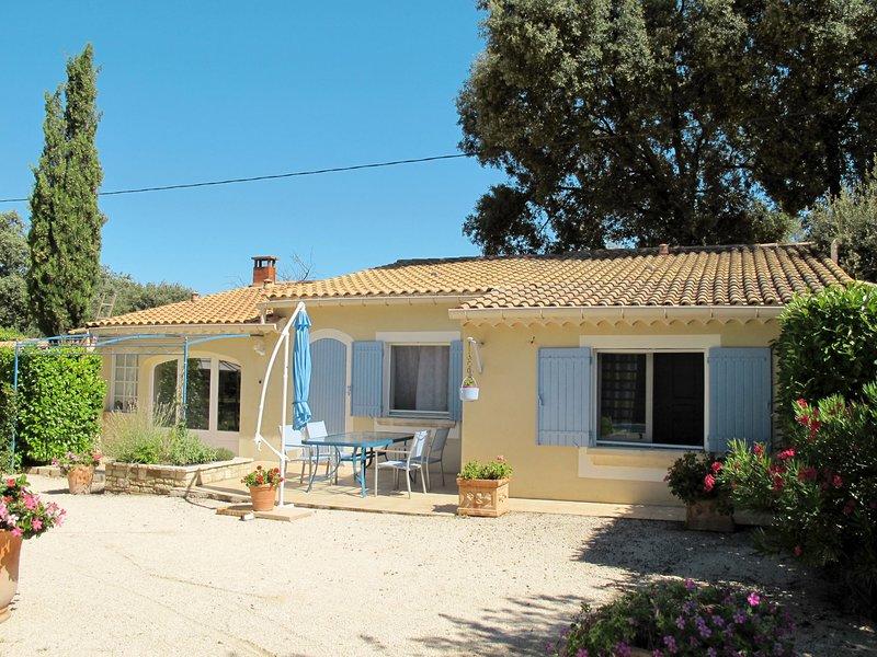 Les Amandiers (MZN100), holiday rental in Mazan