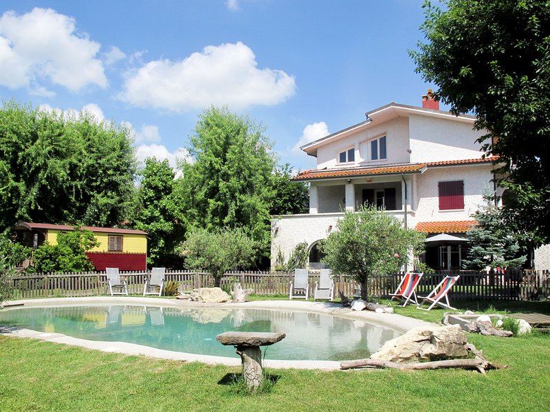 Villa Yadu (LUU221), holiday rental in Maggiano