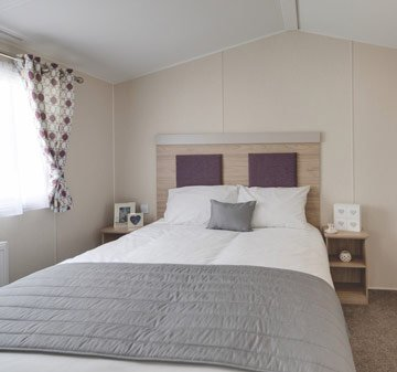 Spacious lodge near the beaches of South Cornwall, sleeps up to 6, dog friendly, vacation rental in Hewas Water