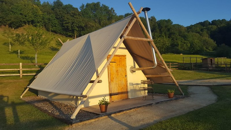 Hébergement insolite, micro ferme, holiday rental in Chailloue