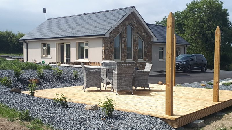 Luxury Lake Lodge, holiday rental in County Monaghan