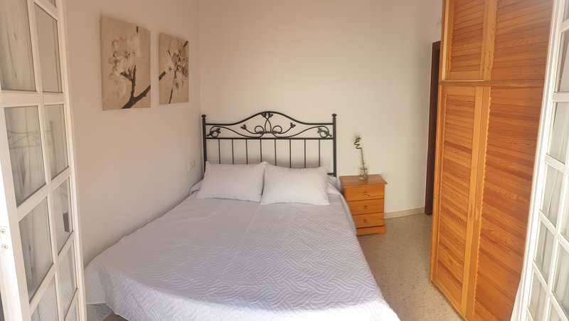 PISO AURORA, holiday rental in Barbate