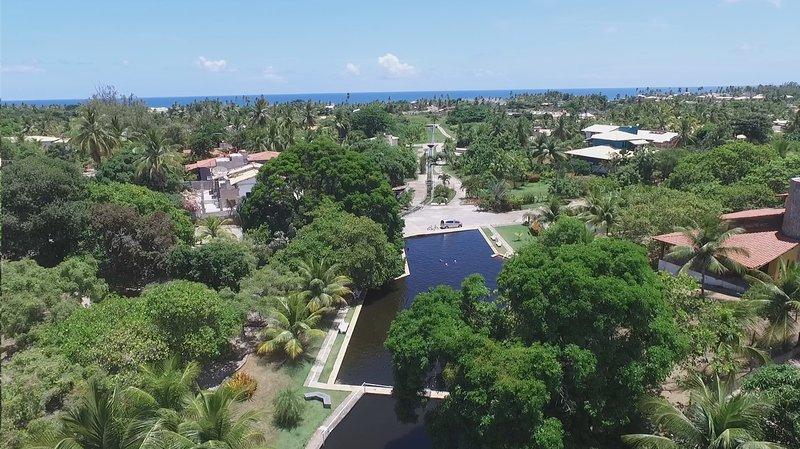 Casa de Praia no Cond. Albatroz, situado numa APP com exclusiva Piscina Natural, holiday rental in Abrantes