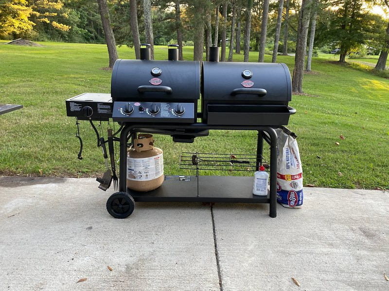 Char-Griller (Duo gas & charcoal grill)