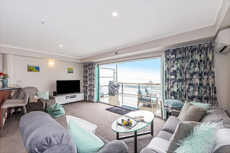 Comfortable Luxury 1BR Apartment with Waterviews – semesterbostad i Auckland