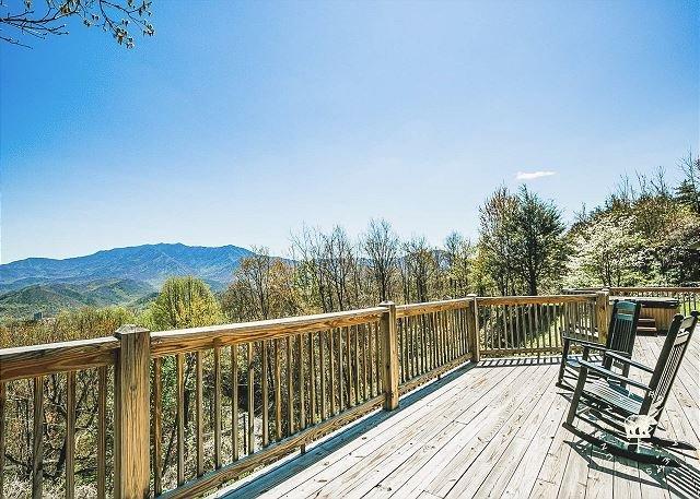 Smoky Mountain Cottage deck