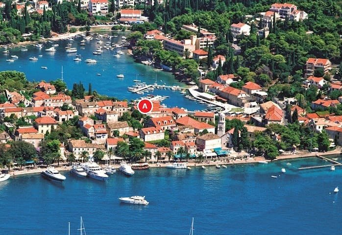 Little Gem, Apartment in the heart of Cavtat,, holiday rental in Cavtat