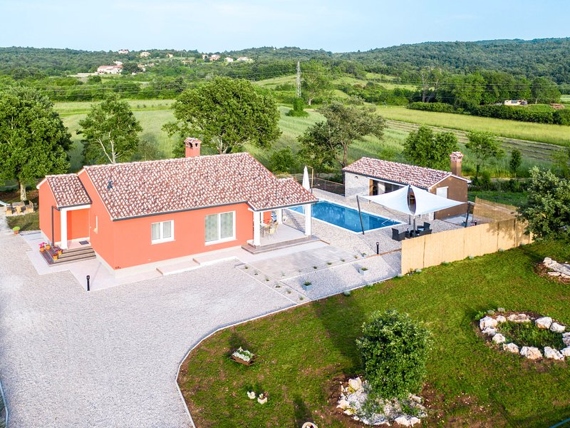 Villa Natalli (LBN421), holiday rental in Rasa