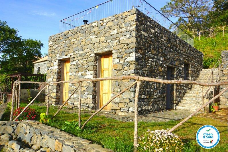 Casa da Cascata | Casas da Levada, vakantiewoning in Ponta do Pargo