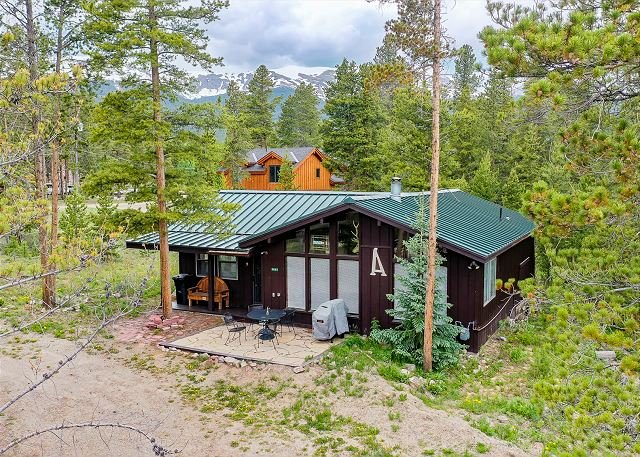 Lil' Heaven on Peak 7: Charming Dog-Friendly Home!, vacation rental in Breckenridge
