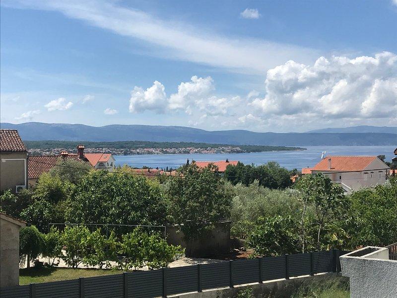 Cozy Apartment With Sea View 2+2 (Island of Krk), aluguéis de temporada em Malinska