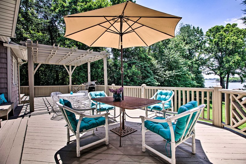 Spend evenings dining outdoors on the patio!