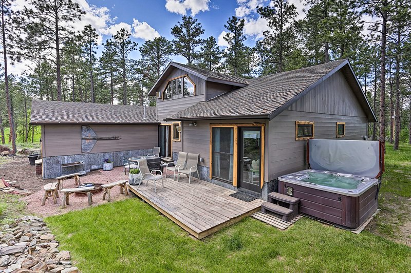 NEW! Rapid City Cabin 12 Miles to Mount Rushmore!, holiday rental in Rockerville