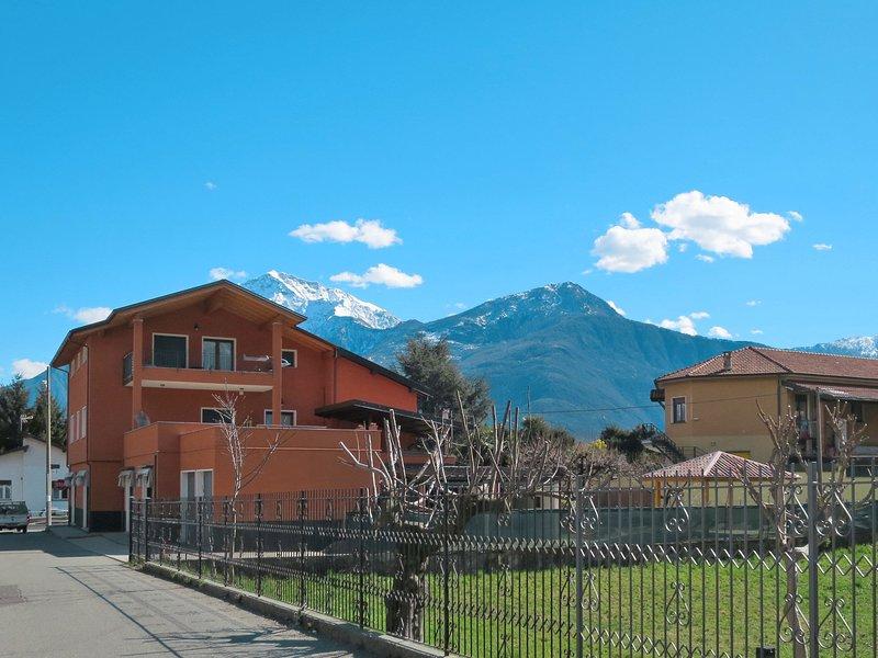 Margi (DGO118), vacation rental in Olgiasca