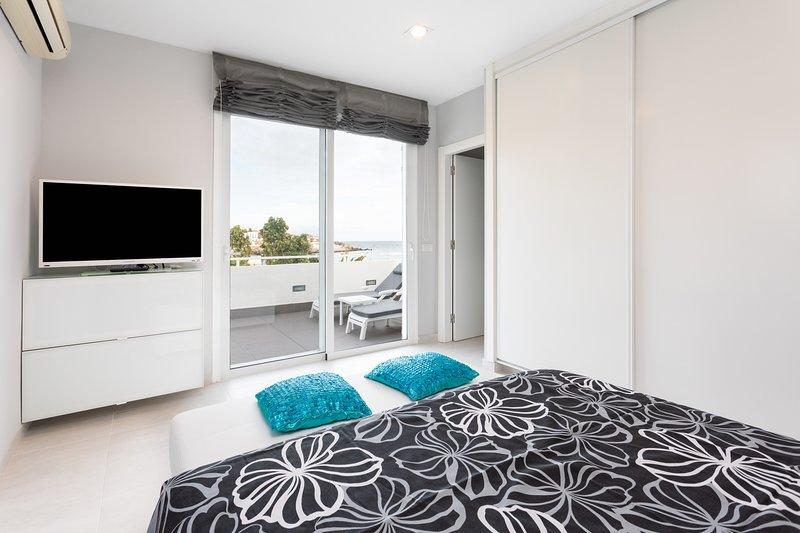 Home2Book Stunning Sea Front House El Poris, alquiler de vacaciones en Porís de Abona
