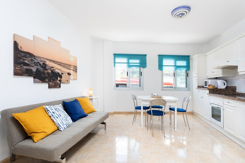 Home2Book Sea Front Charco Azul Pool Apartment, casa vacanza a San Andres y Sauces