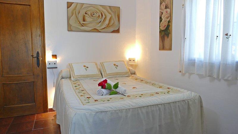 Habitación rural, holiday rental in Archez