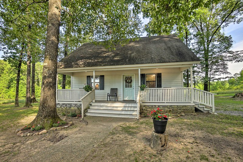 NEW! Broken Bow Cottage < 20 Mi to Beavers Bend!, holiday rental in Eagletown