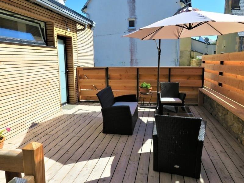 Grande maison de famille rénovée VUE SUR LA BAIE à 300m de la plage à TREGASTEL, vakantiewoning in Tregastel-Plage