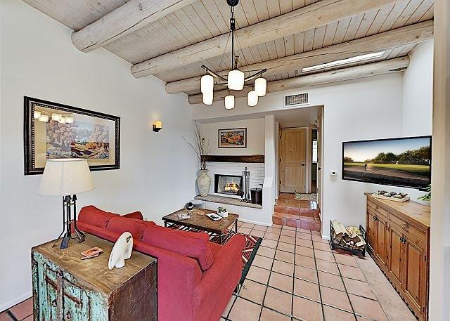 Santa Barbara at Zona Rosa: Chic Downtown Condo w/ Private Balcony!, holiday rental in Santa Fe