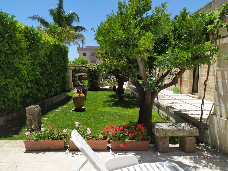 Giardino Lu Murieddhru, holiday rental in Squinzano