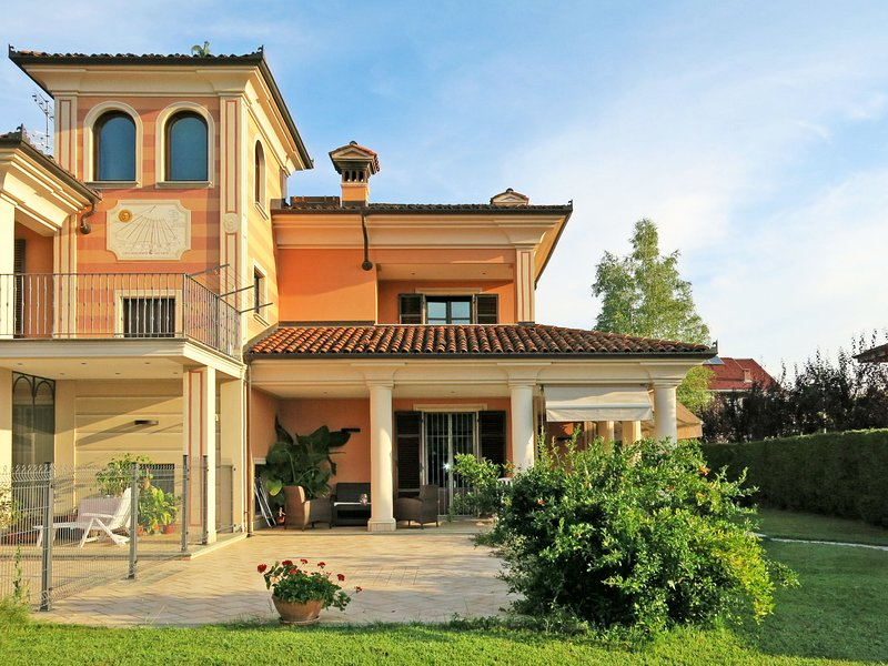 Soleluna (VCF200), holiday rental in San Giacomo