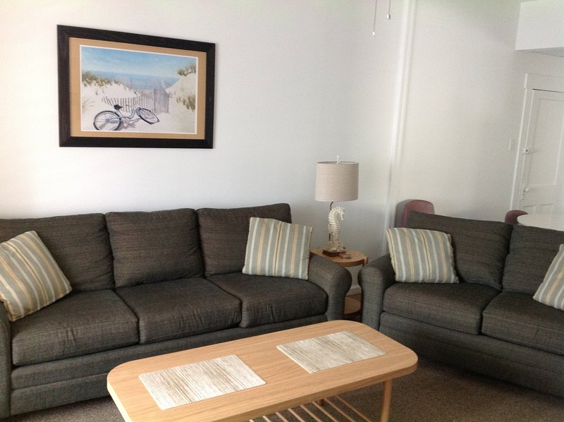 Jus' Friends-Great Location, vacation rental in Wildwood