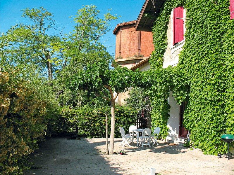 Hameau du Montcalm (MCM150), holiday rental in Montcalm