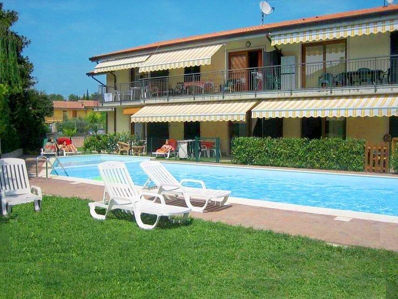Edera (LAZ530), holiday rental in Piovezzano