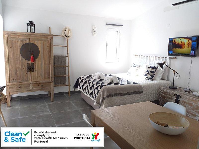 'Clean & Safe' by Pedras Del Rei Waterfront Loft, casa vacanza a Santa Luzia