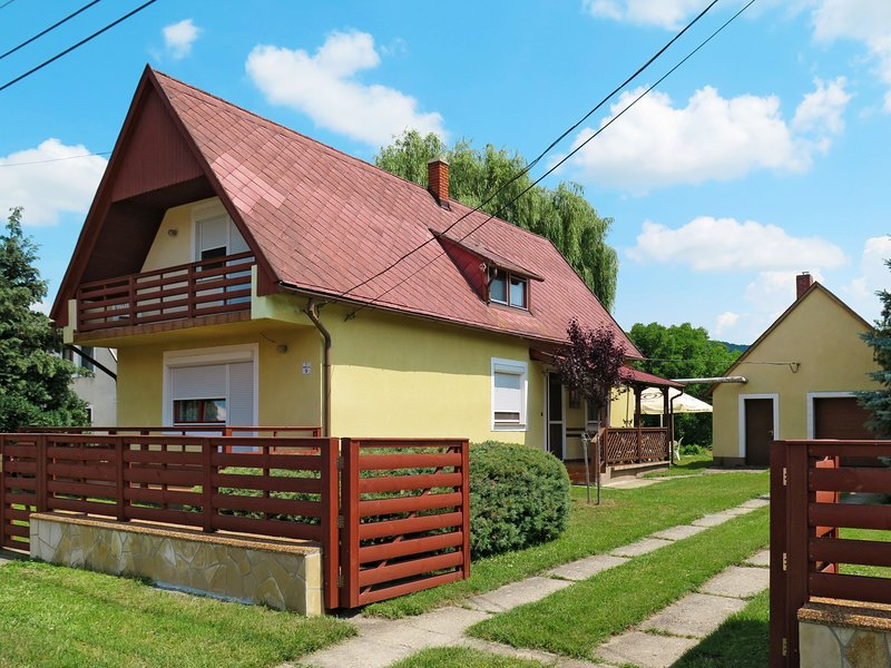 Emi (BAC110), holiday rental in Kaptalantoti