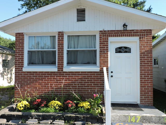 Tina's Tiny House Short Term Rental, holiday rental in Decatur