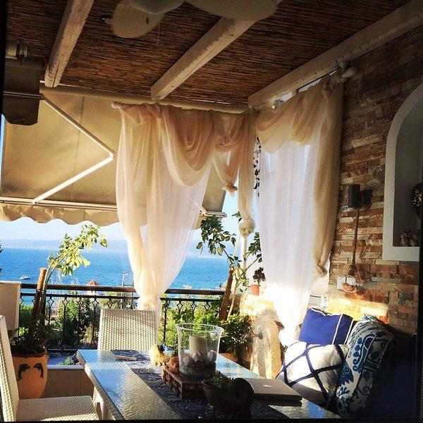 Beachfront Greek Paradise Thessaloniki SKG #4, location de vacances à Aggelochori