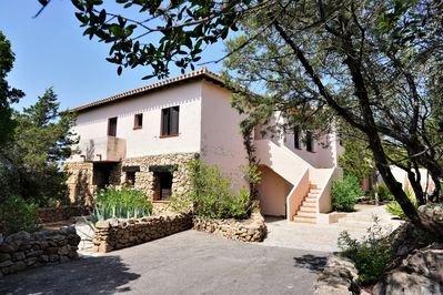 Vacanza a Porto Rotondo via Monte Lady villaggio 'Li Nibbari', casa vacanza a Rudalza