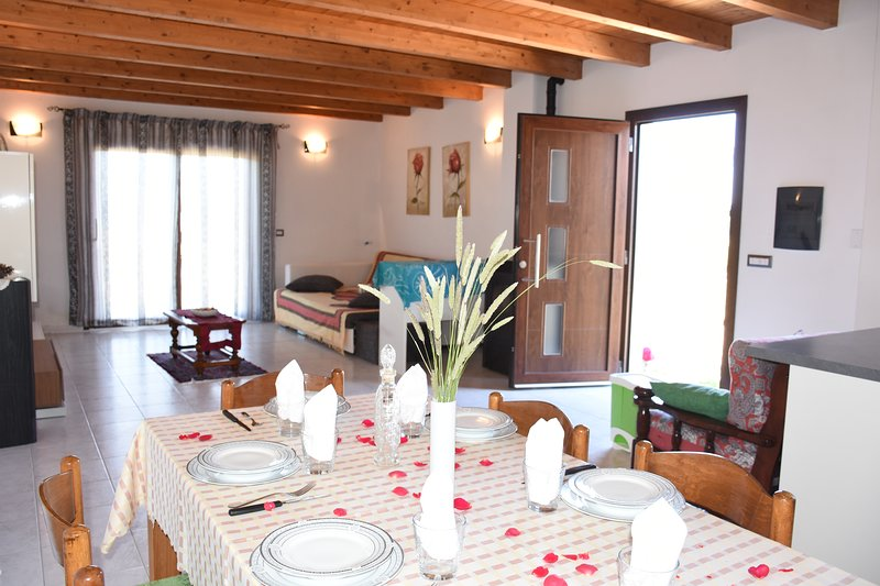 Su cuile relax house con giardino e barbecue, holiday rental in Nulvi