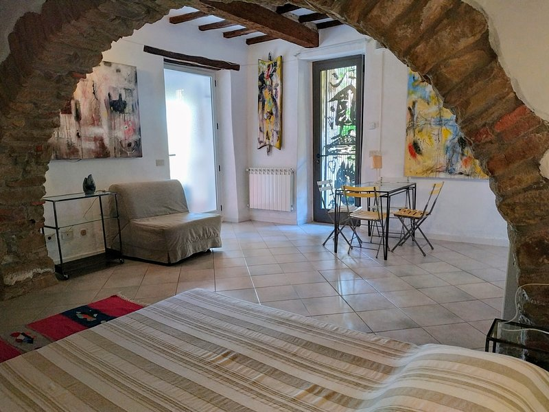 Casa d'Artista Plus con giardino vista mare, vacation rental in Scarlino