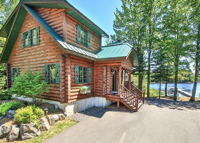 The Log Lodge-Hiller Vacation Homes, holiday rental in Star Lake