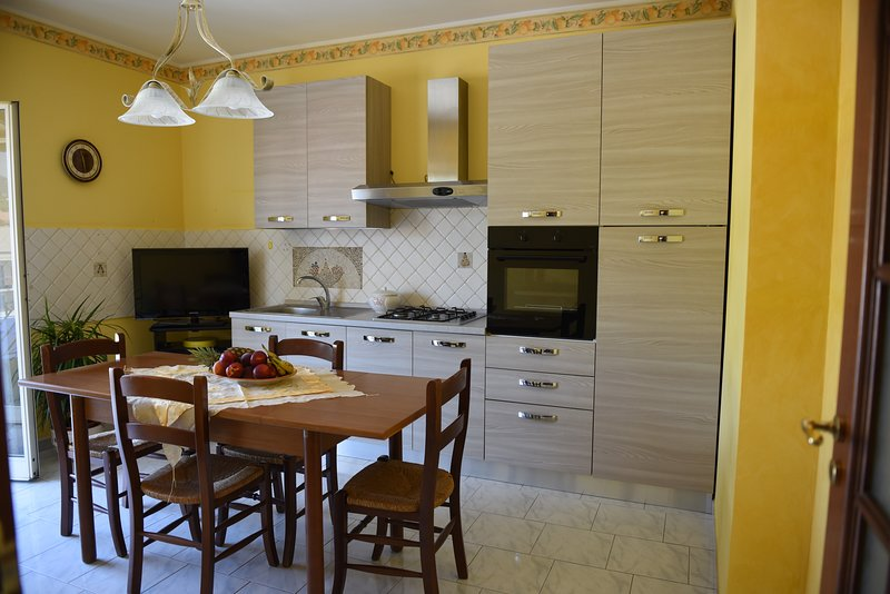 appartamento vista panoramic 20 minuti da Taormina, location de vacances à Mascali