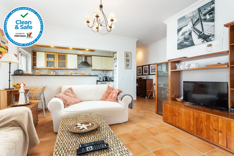 'Clean & Safe' by Top Floor, Double Terrace, Sea View, casa vacanza a Cabanas
